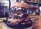 Yorkshire challenge : le burger le plus calorique du Monde  - 5 000 calories dans le Yorkie Pud burger