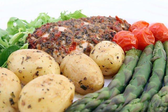 Repas légumes et viande
