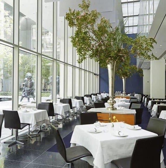 Salle de restaurant : The Modern Nyc