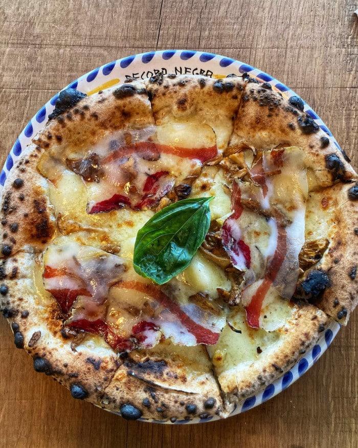 Pizza à La Pecora Negra