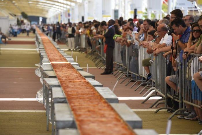 Le record de la pizza la plus longue est battu