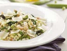 Salade d'épinards et pâtes farcies au veau