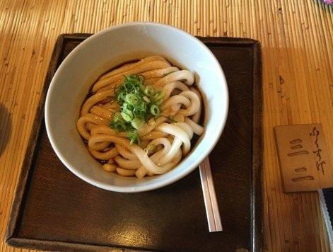 Nouilles udon et sauce soja