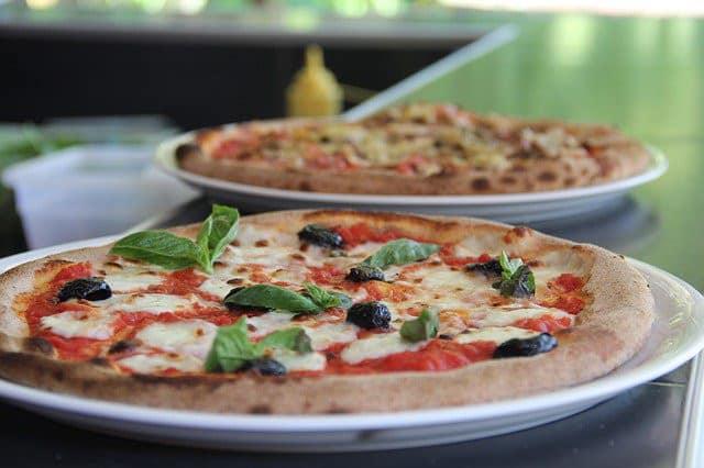 Assiettes de pizza