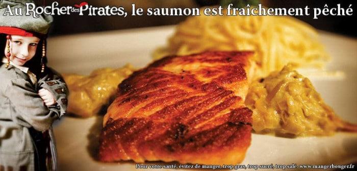 Du saumon frais dans l'assiette