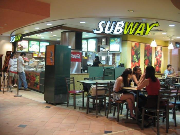 Intérieur d'un restaurant Subway