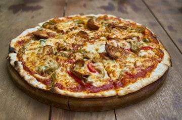 5 fromages dans la nouvelle pâte Cheezy de Pizza Hut