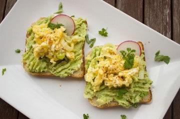 5 idées de toasts aux fruits photogéniques et délicieux