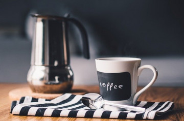 Café suspendu : un concept solidaire dans l'air du temps