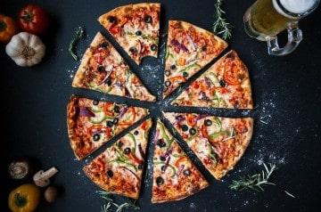 Ces pizzas insolites qui nous dégoûtent ou nous surprennent