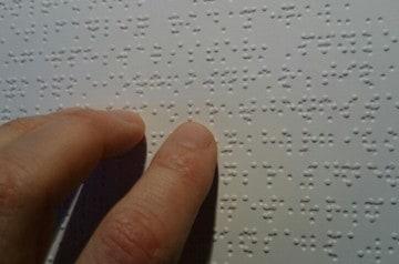 Des cartes de restaurants en braille à Toulouse