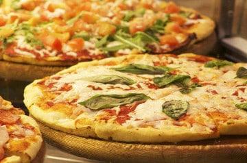 Des pizzas, il y en a pour tous les goûts chez Pizza Plazza