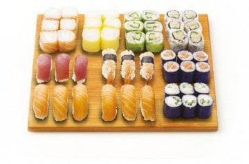 Des plateaux hauts en couleurs chez Nikki Sushi