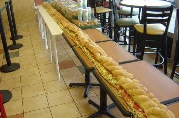 Deux sandwiches géants chez Subway d'Anger