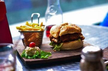 #InstantFood : prenez une photo avec un burger Courtepaille