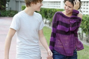 Justin Bieber et Selena dans un Fast-food