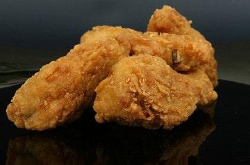 KFC Japon invente le poulet à manger en public