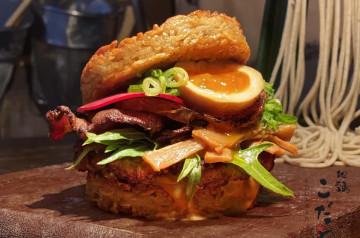 Kodawari Ramen lance le Ramen Burger !