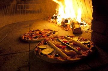 La pizza au feu de bois, une importante source de pollution