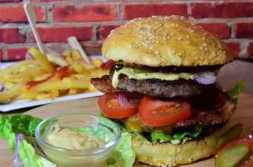 Le hamburger dans le top 3 des plats préférés des Français