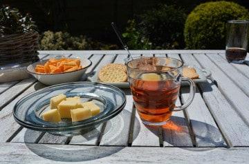 Le thé, mieux que le vin pour accompagner les fromages ?