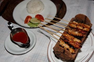 Le yakitori, une des spécialités de Eat Sushi