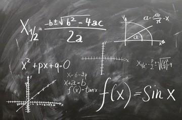 Les clients d'un restaurant doivent faire des équations