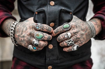 Les clients tatoués refoulés par un restaurant