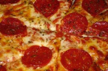 Les pizzas préférées des Français et Américains