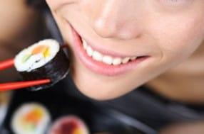Les sushis : mieux digérés par les japonais ?