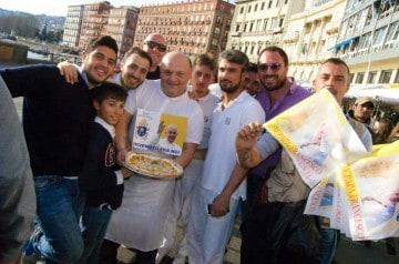 Livraison d'une pizza pour le Pape