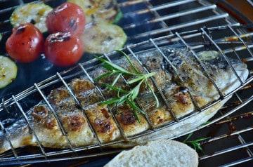 Poissons grillés et marinades pour l'été: recettes faciles