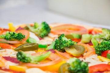 Scooter Pizz livre des pizzas végétariennes