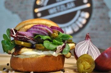 Un burger nappé de fromage fondu, ça donne forcément envie