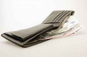 Un portefeuille égaré dans un bar restitué après 2 ans