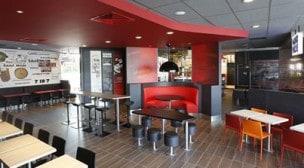 KFC - KFC St Quentin - Tables pour groupes