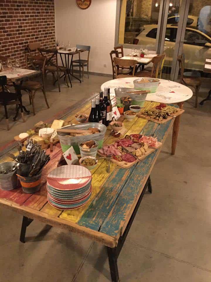 La Table Des Frangins A Eyguieres Carte Menu Et Photos