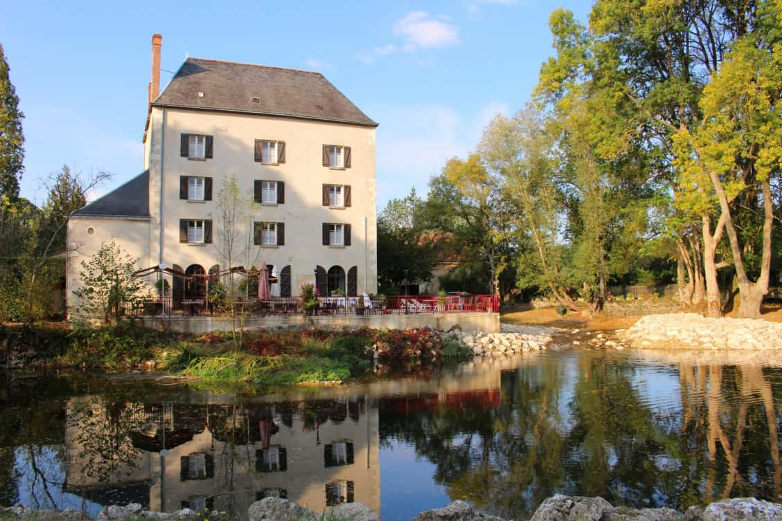 Le Moulin Fleuri à Veigne, carte-menu et photos