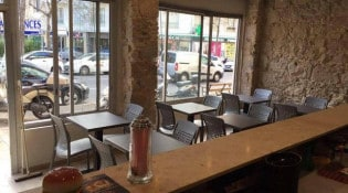 Burger bar - La salle de restauration