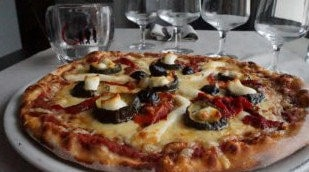La Piazza Des Frangins - Une pizza