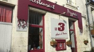 Le 3 place d'Aunis - La façade du restaurant