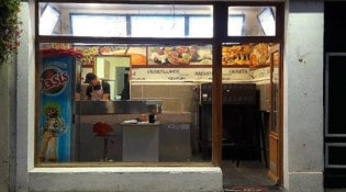 Délices Pizza - La façade du restaurant