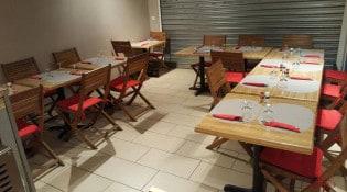 DS Pizzeria Kebab - La salle de restauration