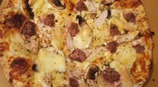 DS Pizzeria Kebab - Une pizza