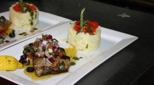 Le petit St Mich - Le plat de viande accompagné de riz