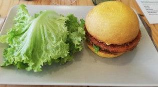 Les cocottes à pois - un burger, salade