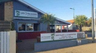 Les 3 Palmiers - La façade du restaurant