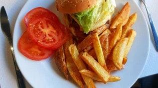 Le Tarin - Un burger, frites