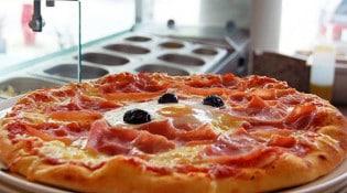 L'agora - Une pizza