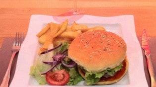 Café du commerce - Un burger et frites